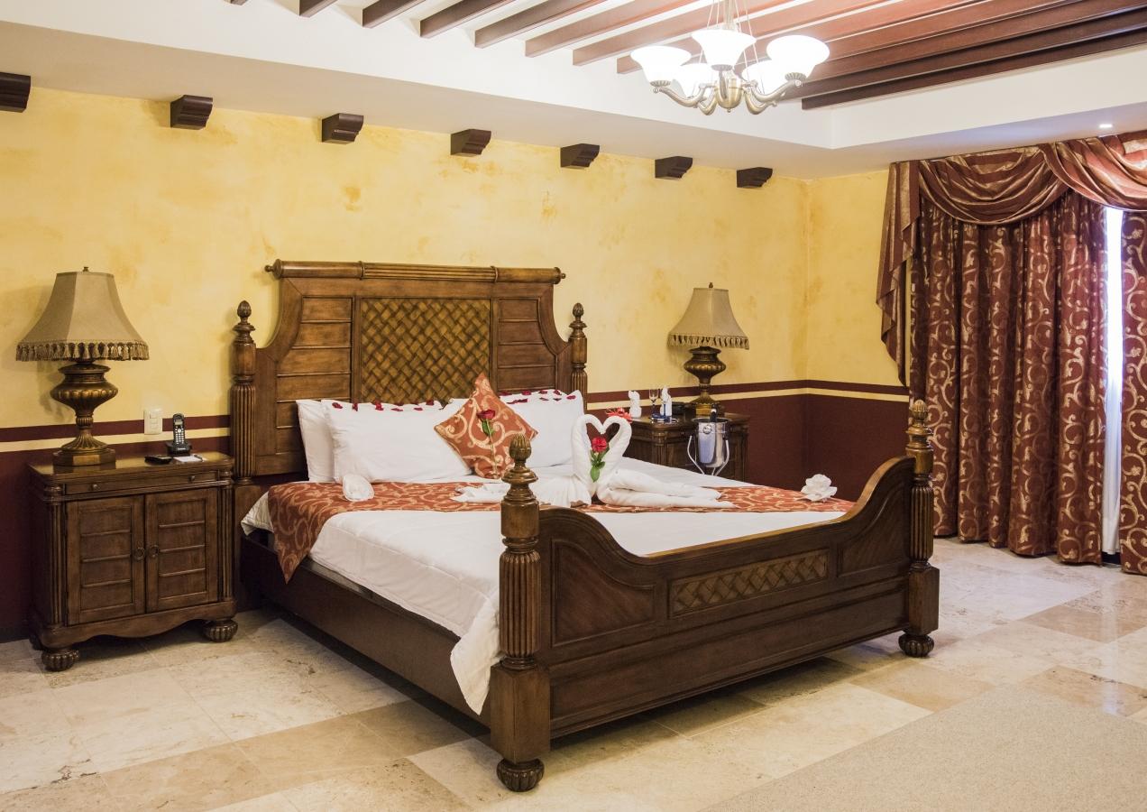 Habitaciones hotel ocean view campeche m xico - Camas estilo colonial ...